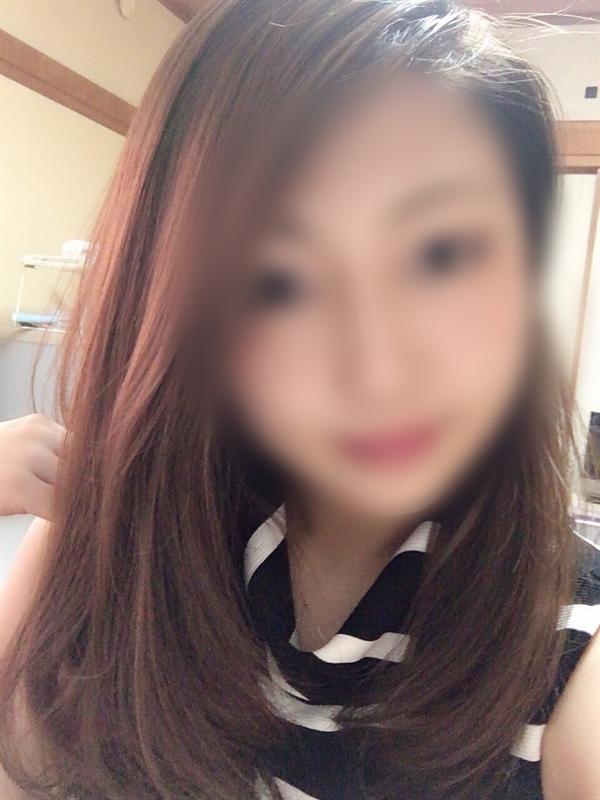 なな(22)