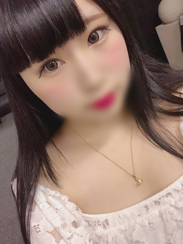りりこ(21)