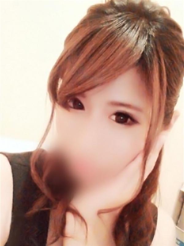 ひな(23)
